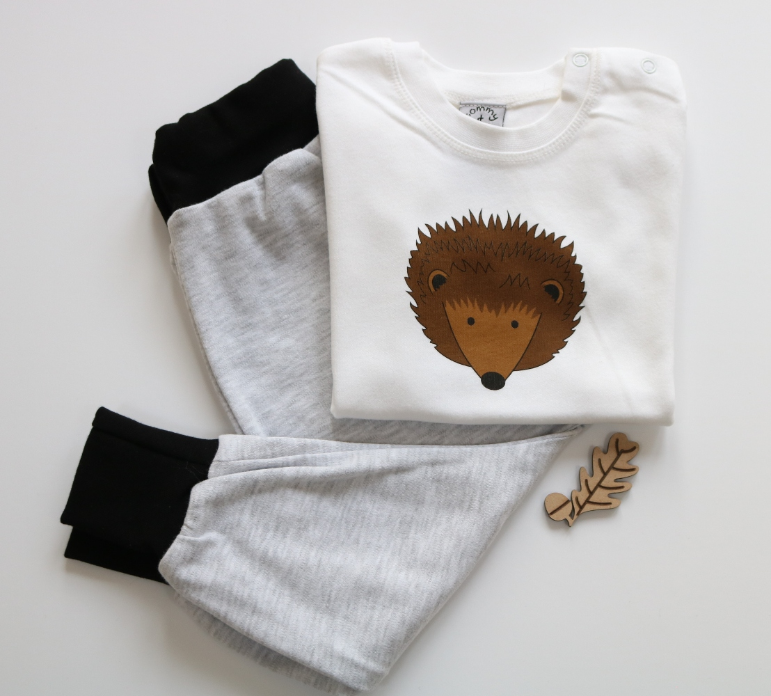 add073180 hedgehog - t shirt and leggings baby gift set - tommy and lottie