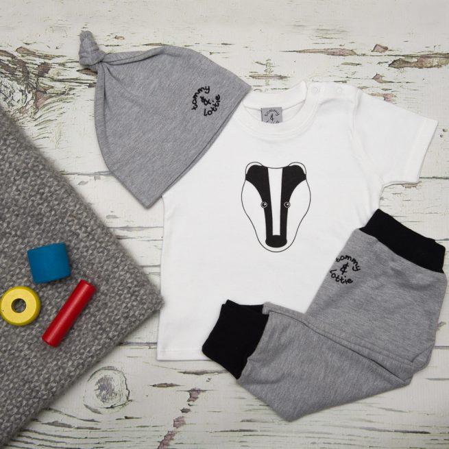 tommy & lottie badger t shirt, harem & hat