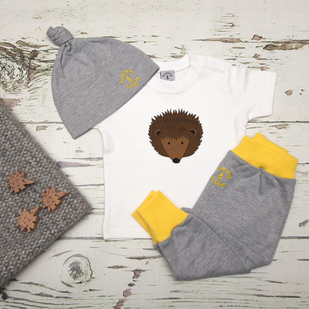 tommy & lottie hedghog t shirt, harem & hat