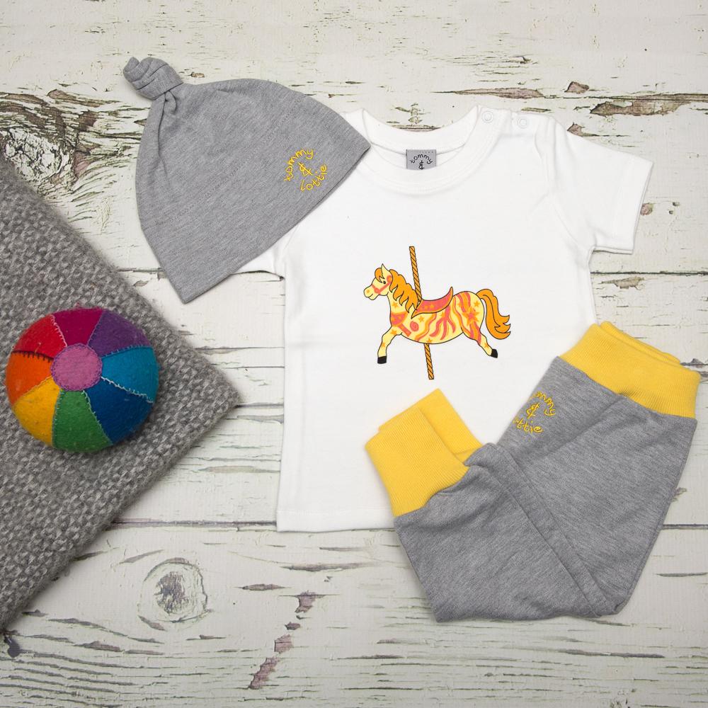 tommy & lottie carousel horse, harem & hat