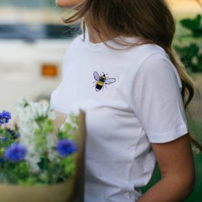 tommy and lottie organic cotton bee t shirt
